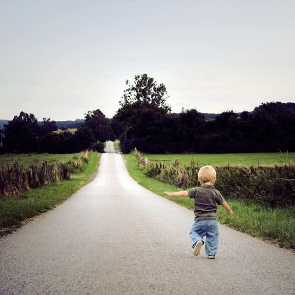 a_long_way__by_littleblackumbrella