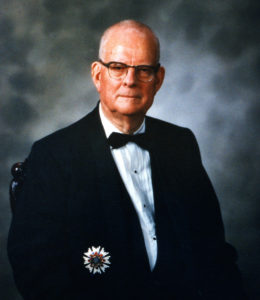 w-_edwards_deming_wearing_his_second_order_medal_of_the_sacred_treasure